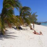 images/stories/Tour-nord-Madagascar/bronzage-plage-diego.jpg